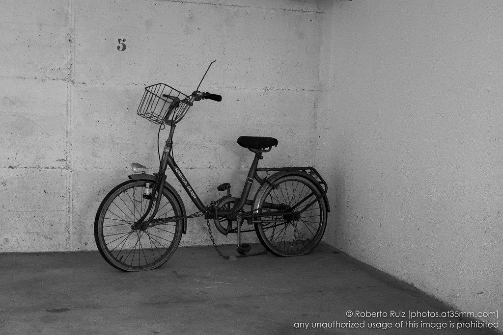 5 . abandoned bike