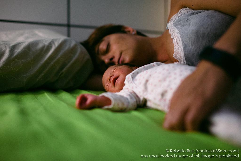 Si el bebé duerme hay que dormir todos
